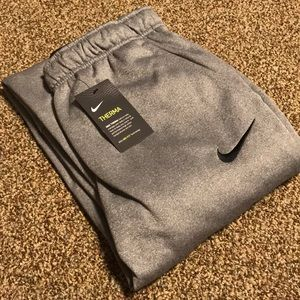 NWT Nike Therma Sweatpants with Dri-fit